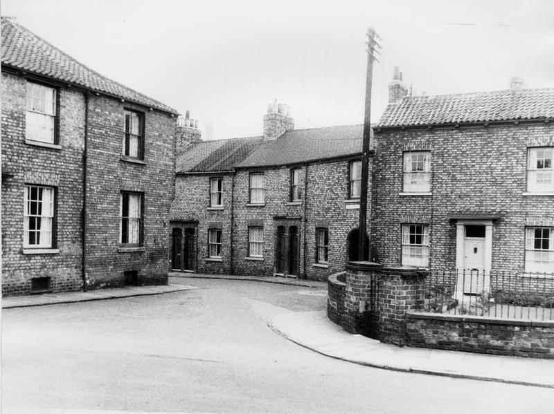 entrance-kidds-terrace-fr-hallfield-rd-1950s-cyc