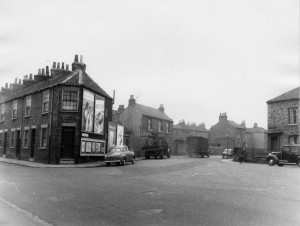 layerthorpe-hallfield-rd-corner-1950s-cyc