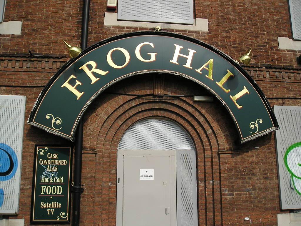 Frog Hall pub, Layerthorpe, 15 Aug 2004